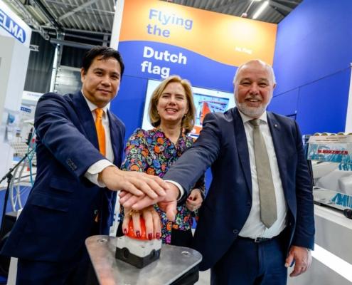 NL flag - Cora van Nieuwenhuizen - Raymond Ko - Sibrand Hassing - Marstrat - KVNR